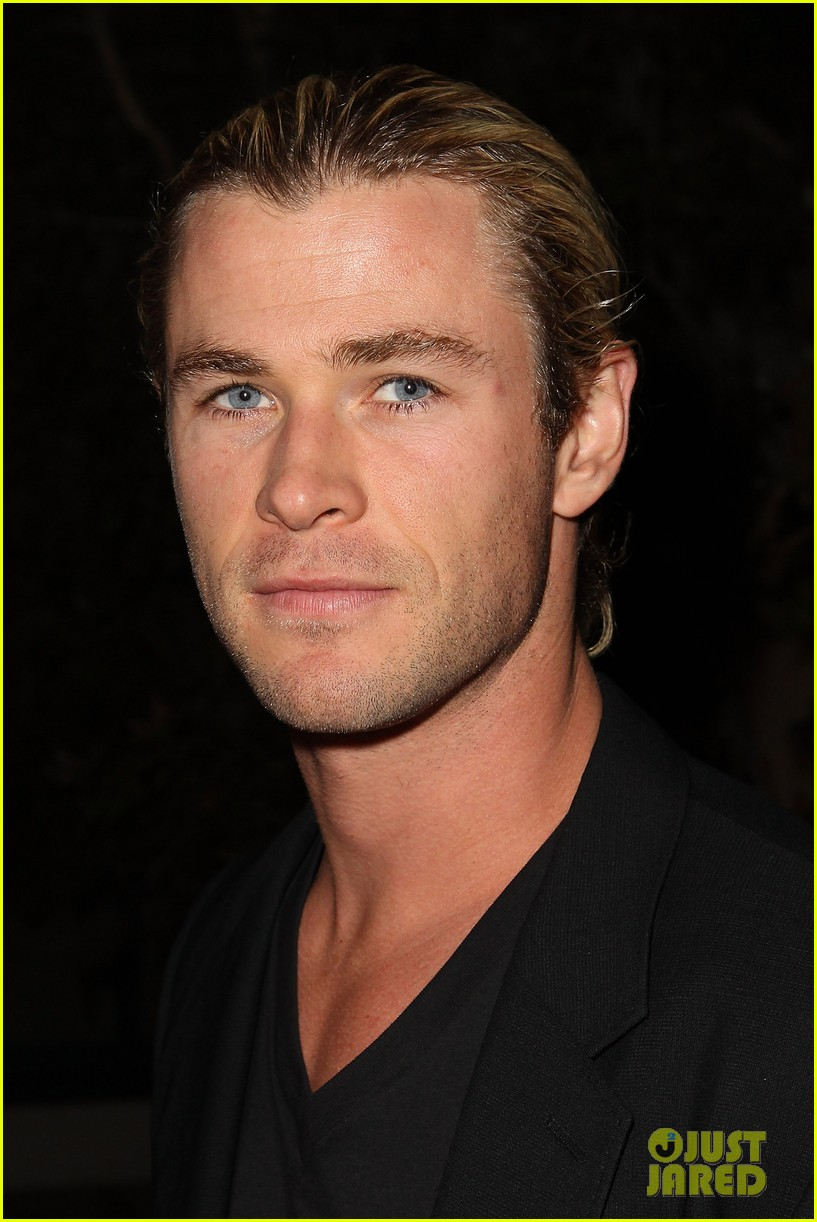 chris liam hemsworth city year los angeles fundraiser 2013 042854650