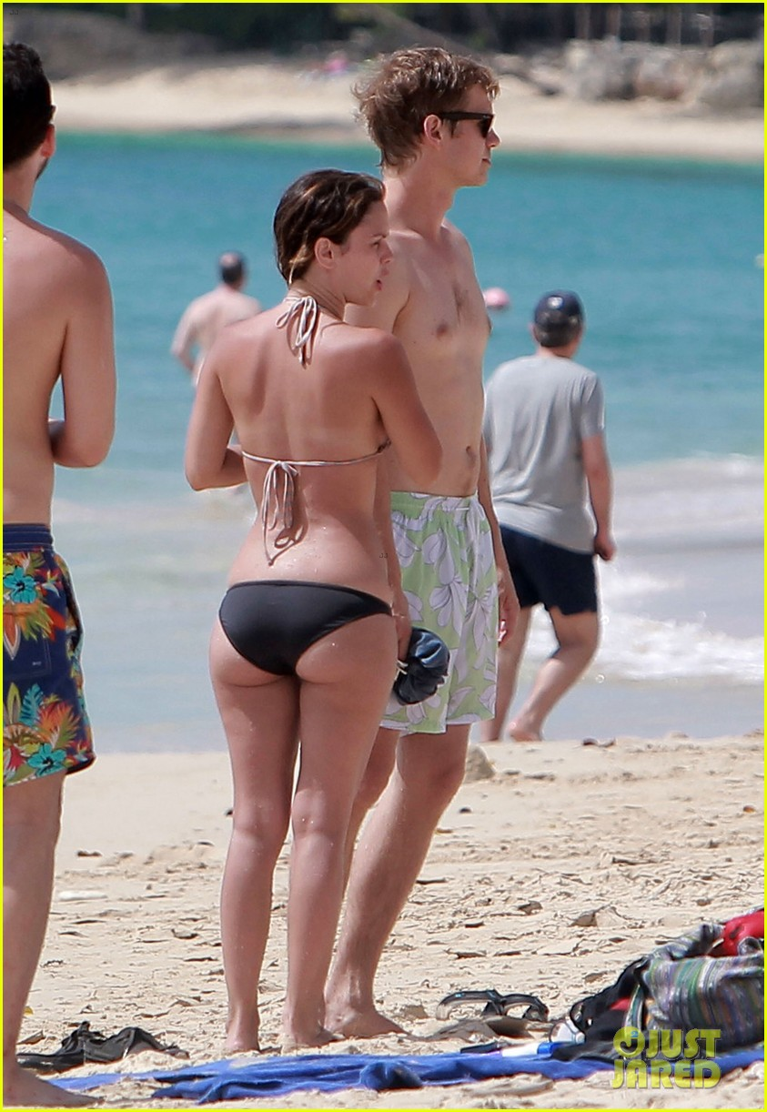 hayden christensen shirtless beach time with rachel bilson 162851537