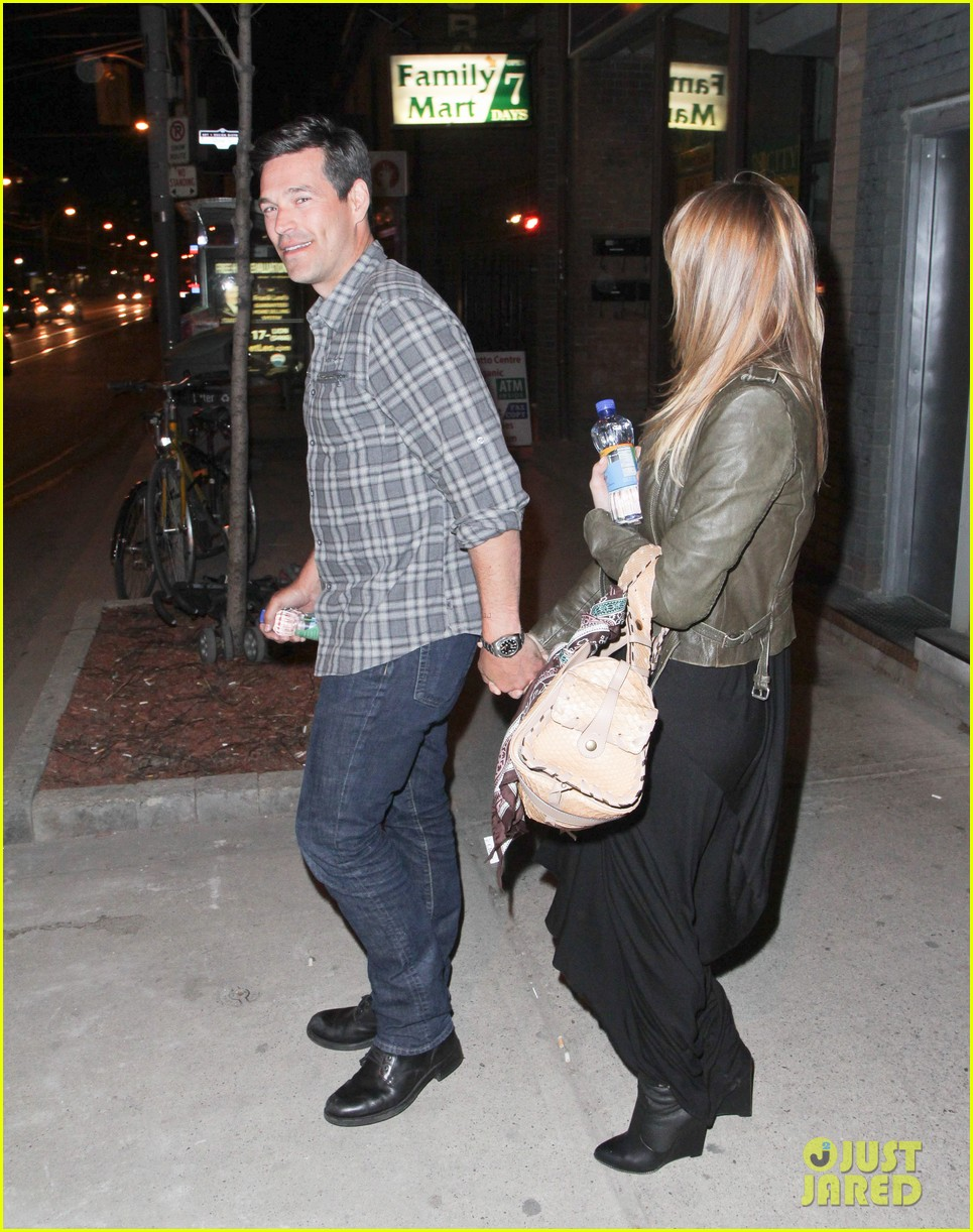 eddie cibrian leann rimes second wedding anniversary celebration 01