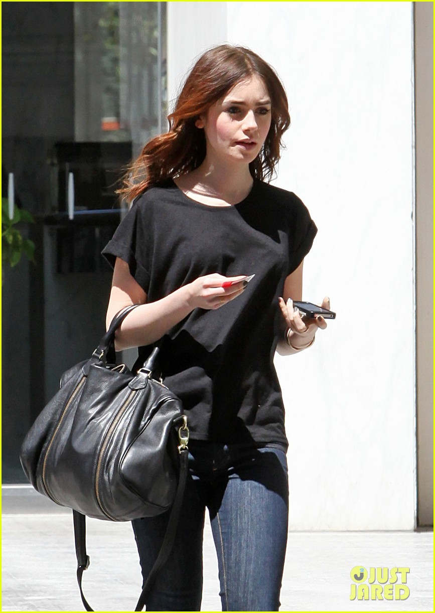 lily collins i auditioned for kristen stewarts role in twilight 20