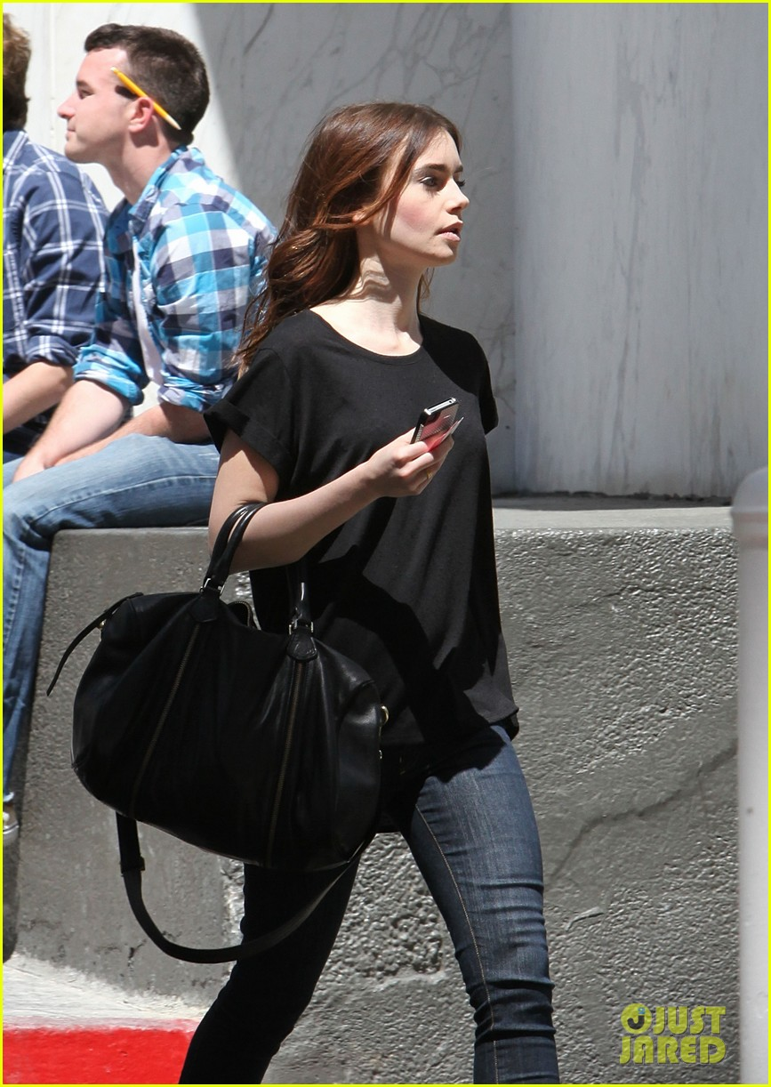lily collins i auditioned for kristen stewarts role in twilight 242853433