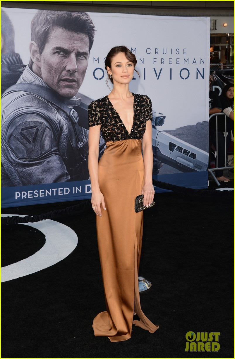 tom cruise olga kurylenko oblivion hollywood premiere 032847249