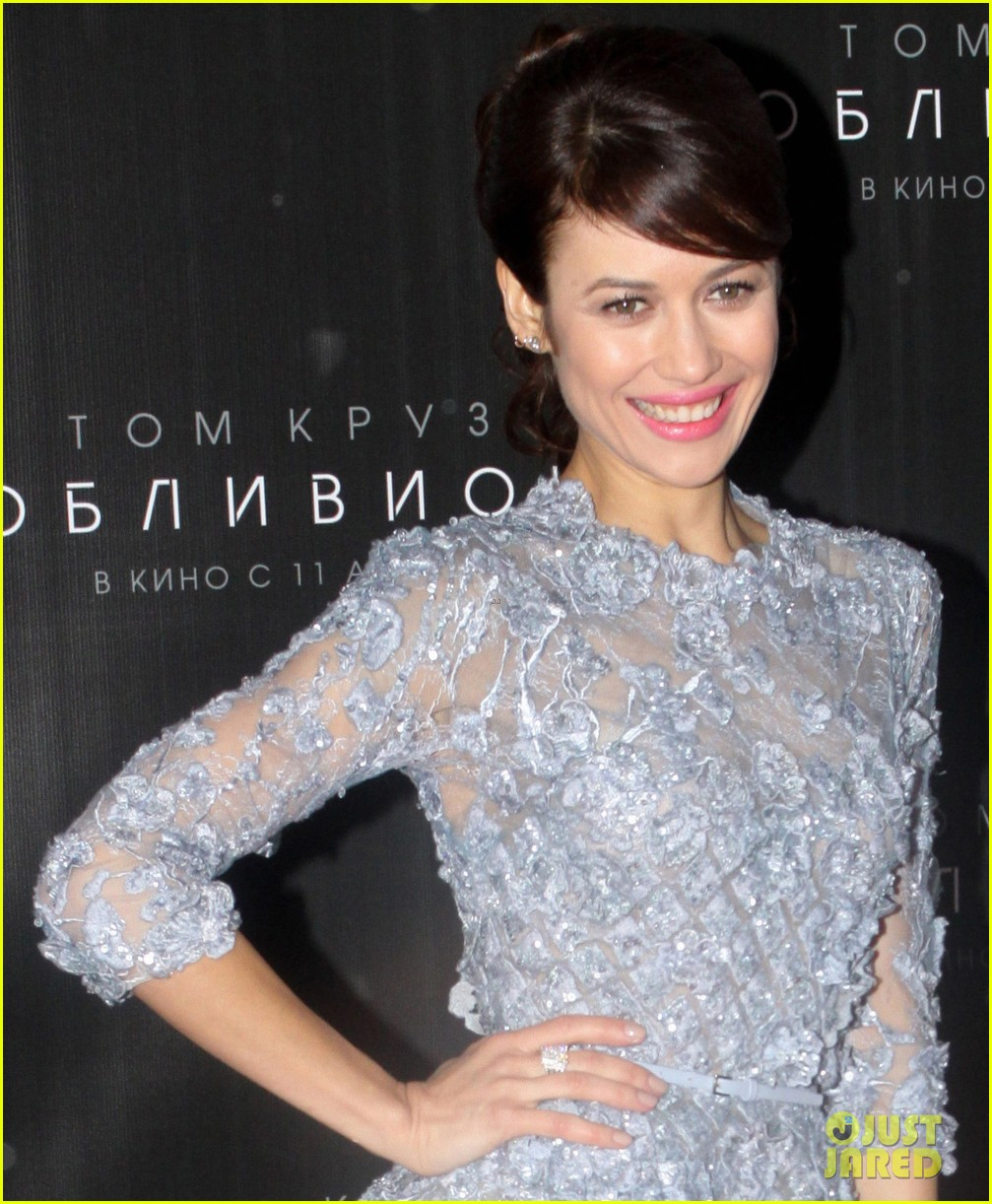 Full Sized Photo of tom cruise olga kurylenko oblivion moscow premiere ... Olga Kurylenko