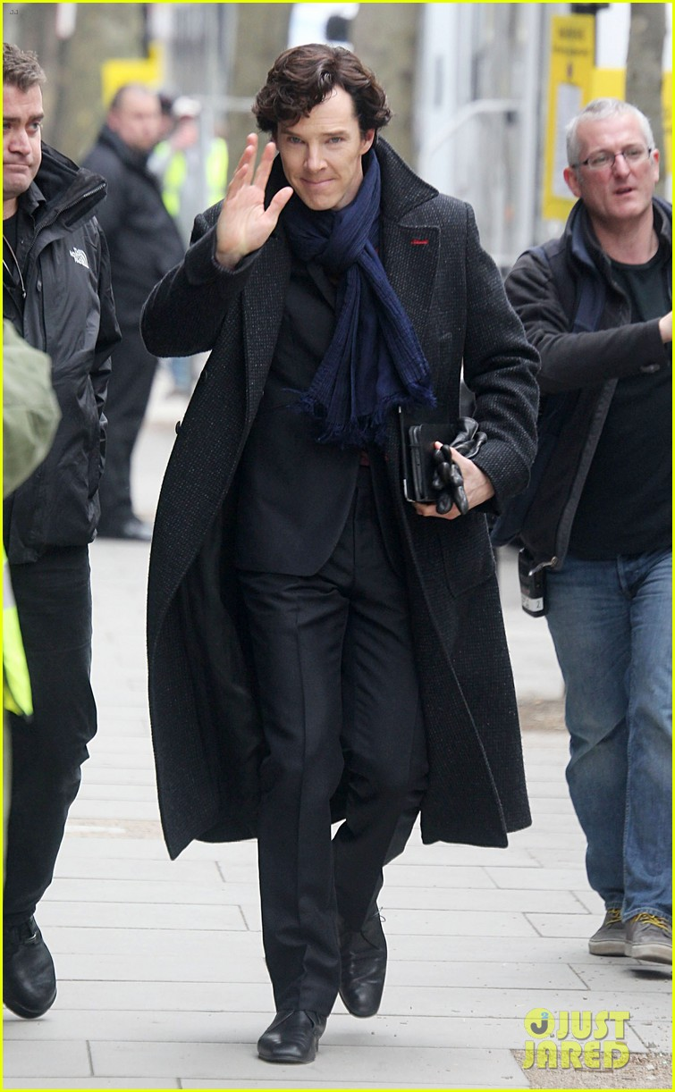 benedict cumberbatch sherlock set with martin freeman 03