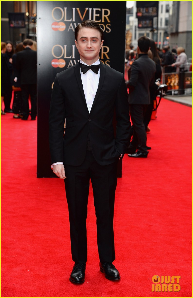 daniel radcliffe olivier awards 2013 red carpet 02