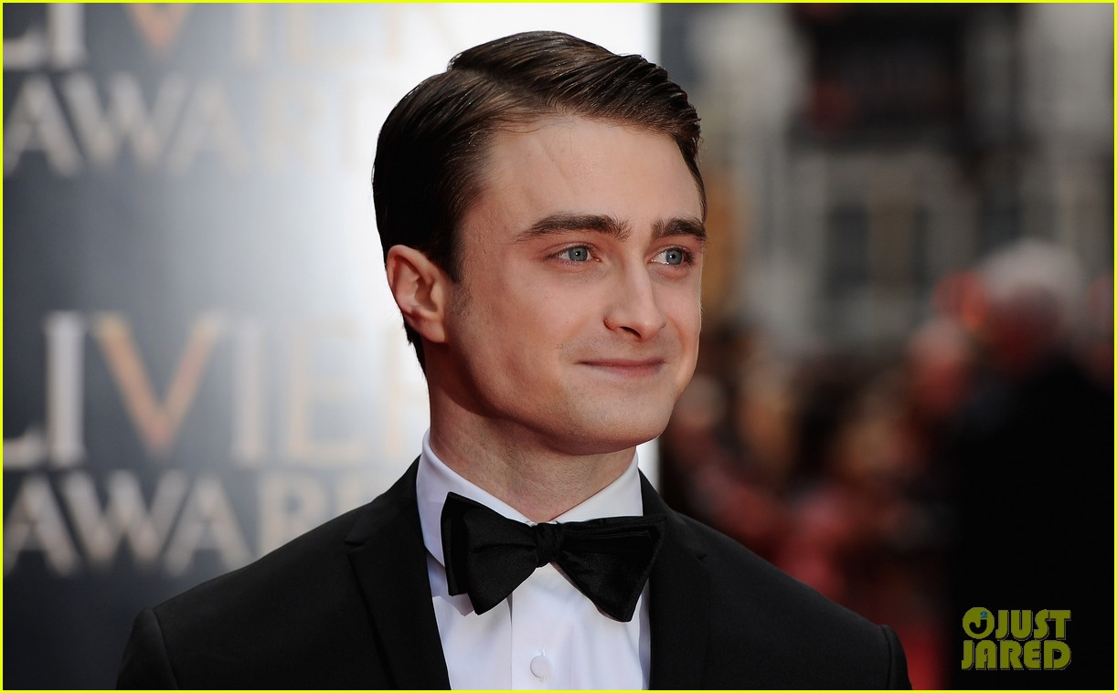 daniel radcliffe olivier awards 2013 red carpet 03