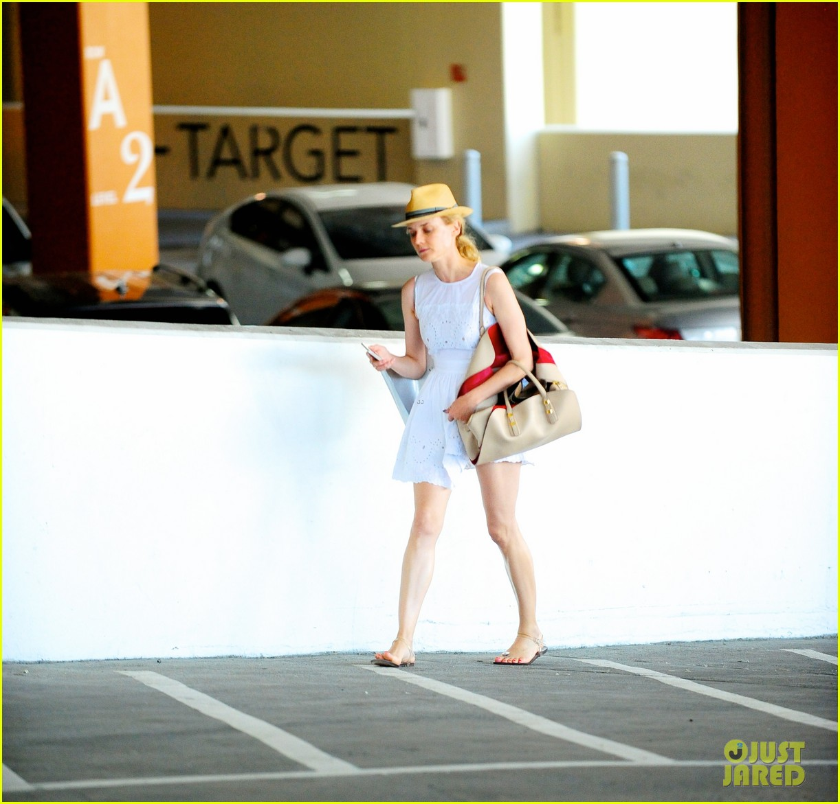 diane kruger spring time shopper 012860392