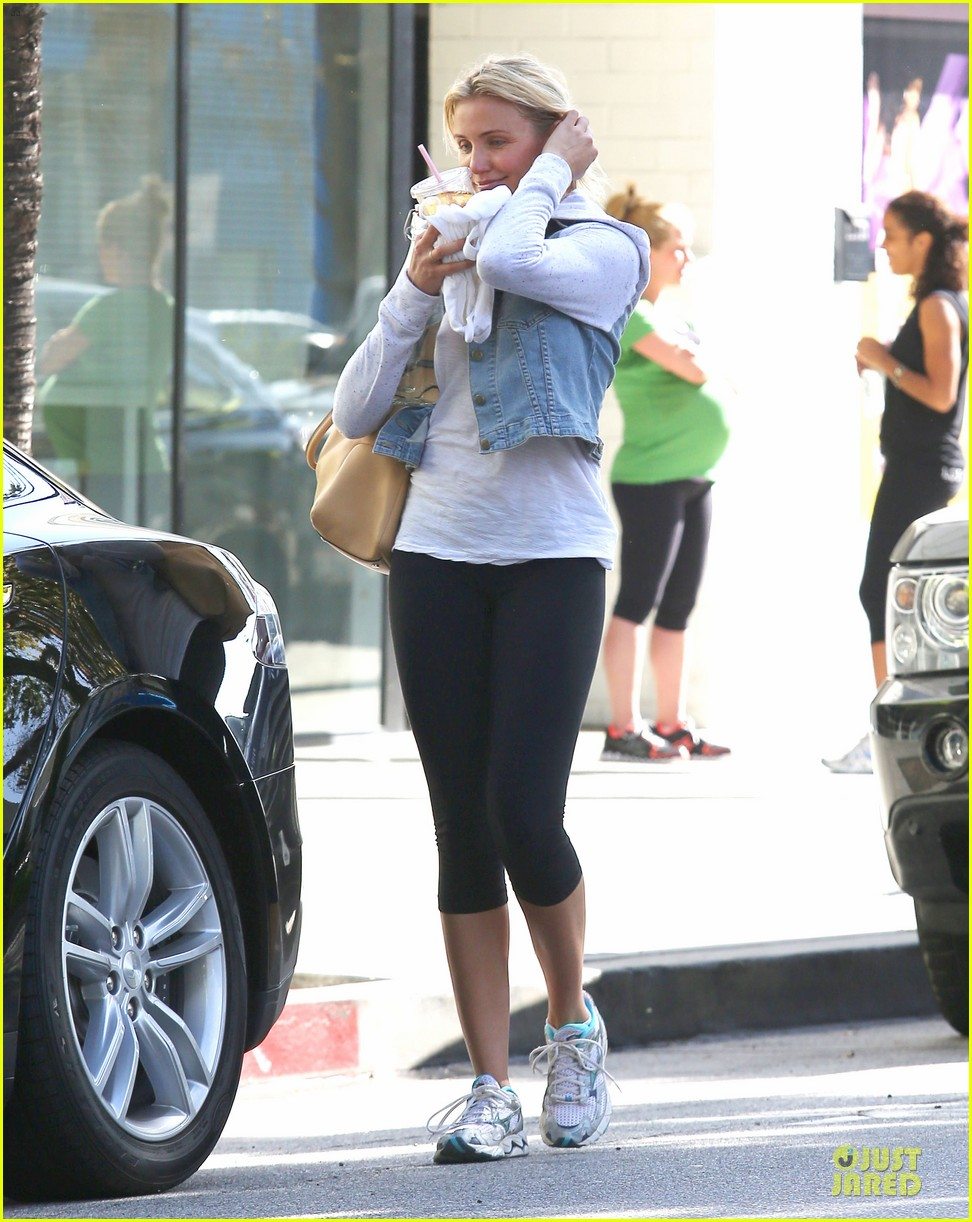 cameron diaz refreshing gym workout 032845767