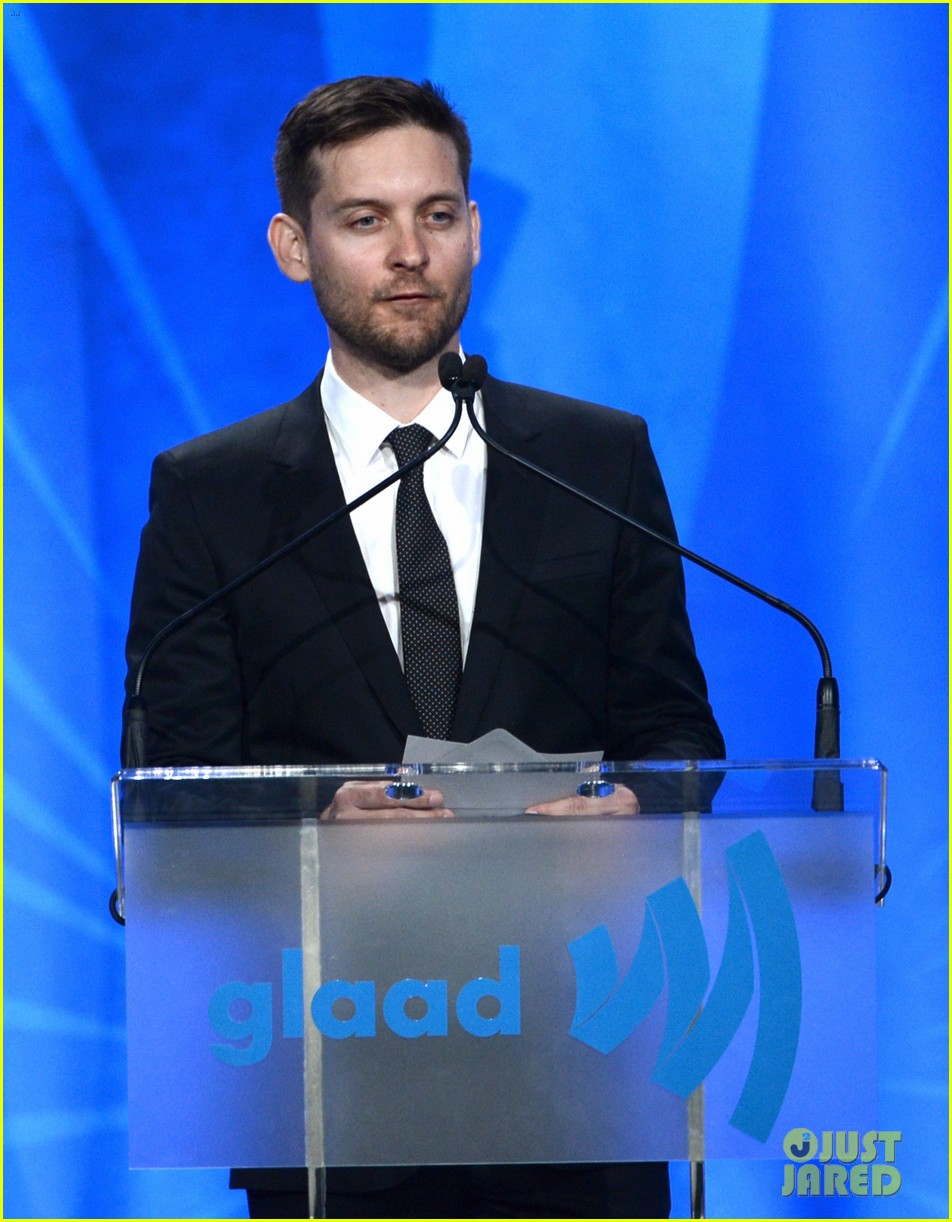 leonardo dicaprio tobey maguire glaad media awards 2013 13