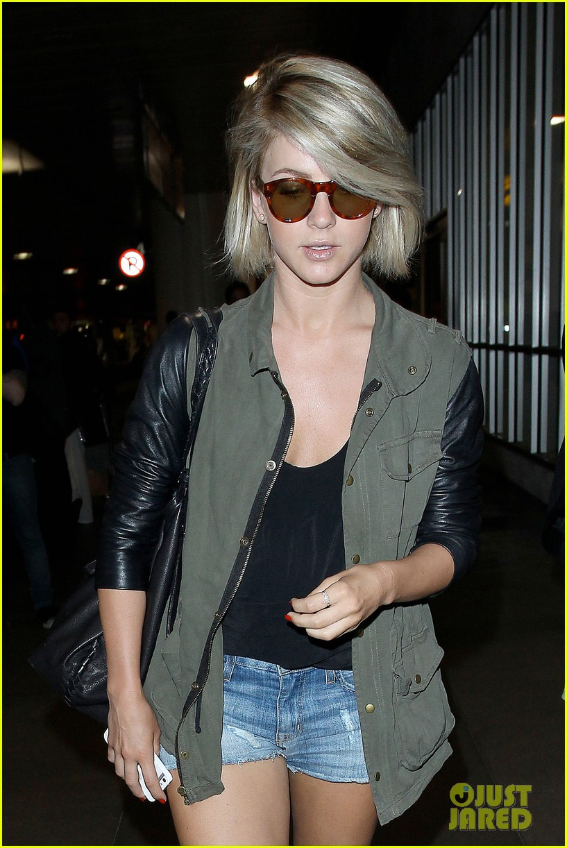 nina dobrev julianne hough fly home after girls weekend 122860764