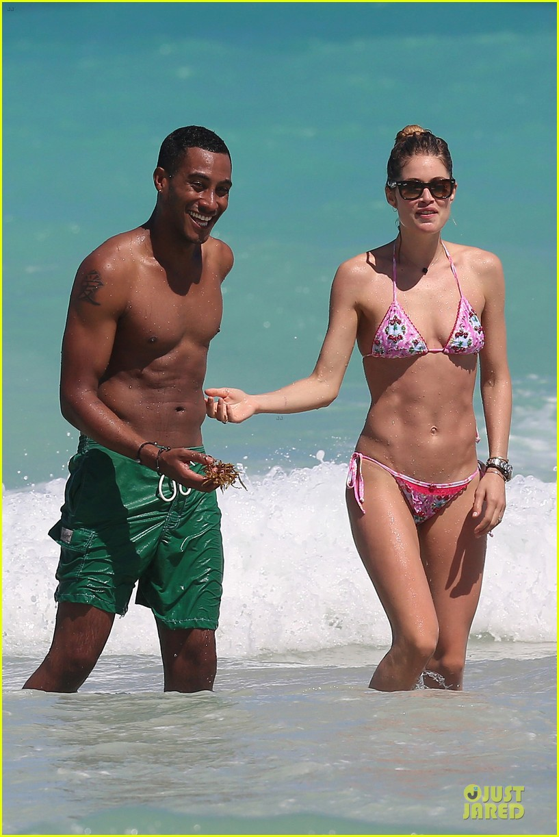 doutzen kroes bikini photo shoot with sunnery james 05