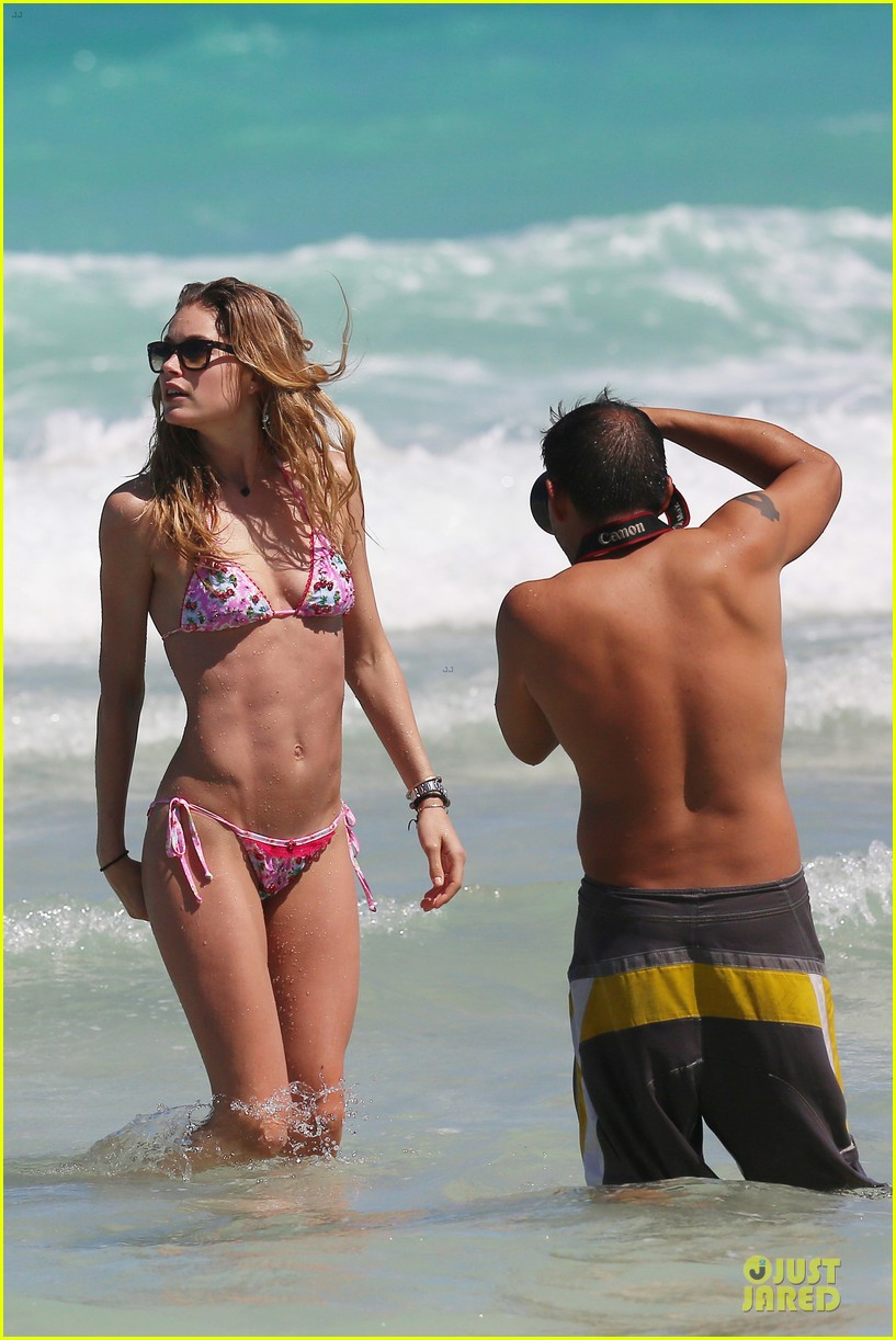 doutzen kroes bikini photo shoot with sunnery james 39