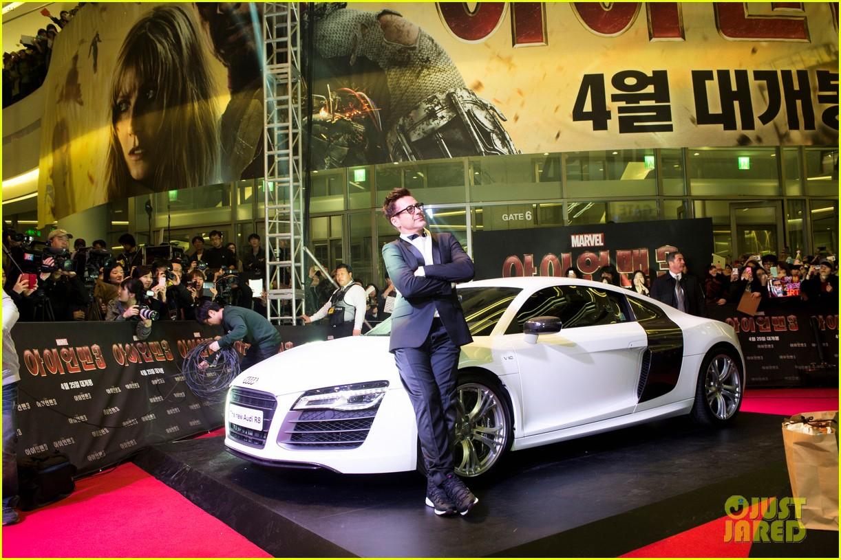 robert downey jr iron man 3 seoul premiere photo call 03