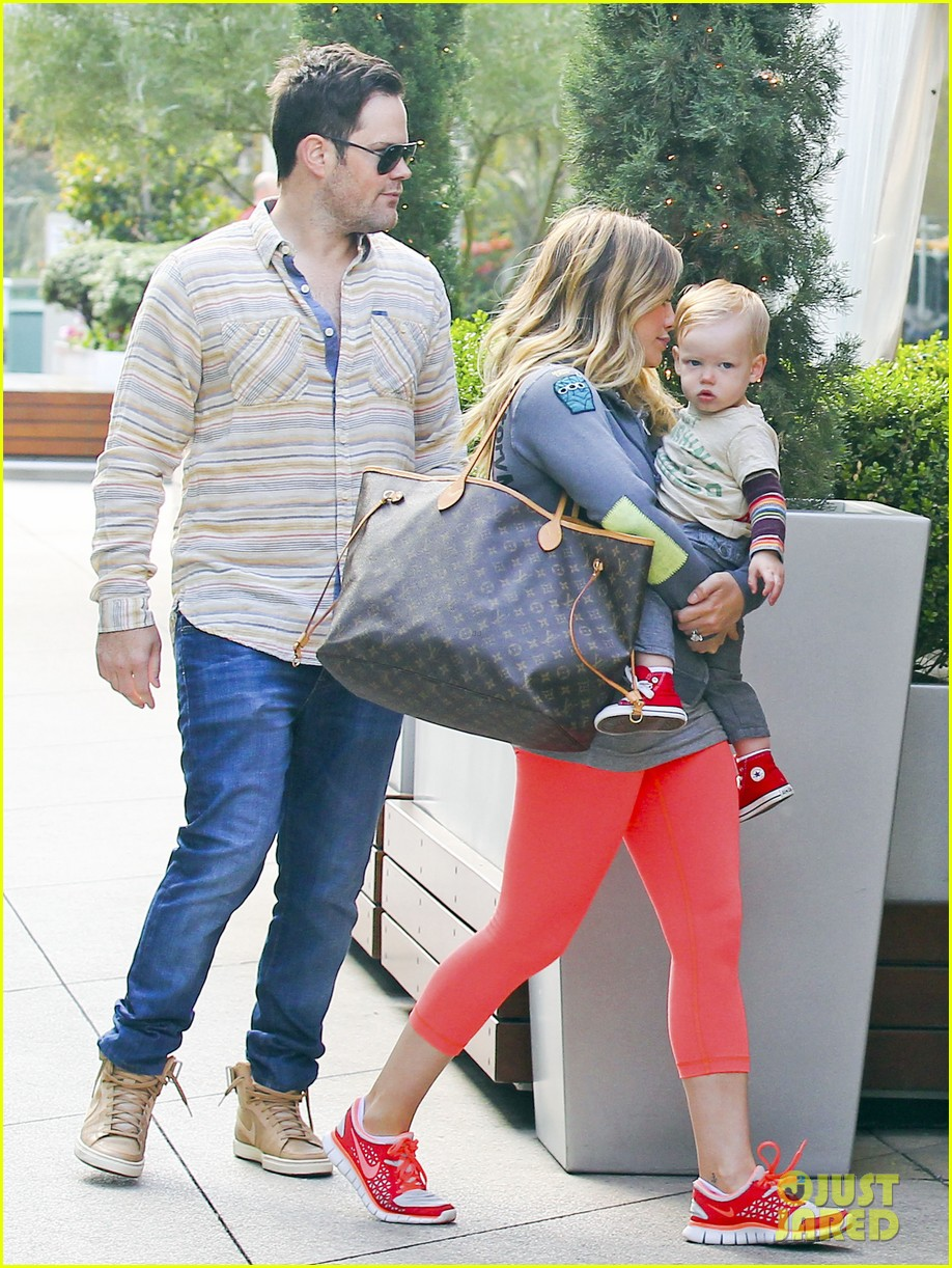 hilary duff mike comrie family breakfast with luca 12