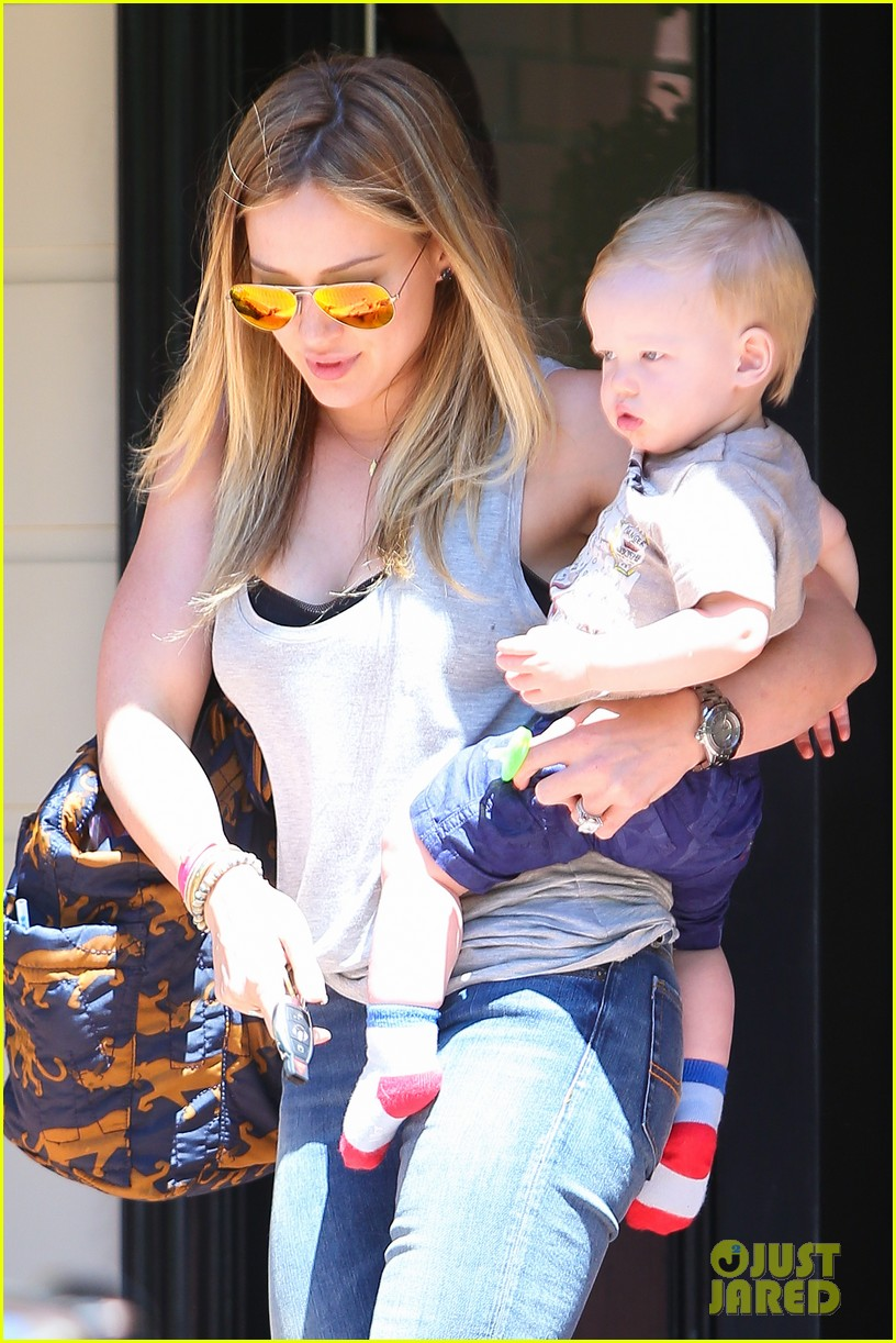 hilary duff sunny afternoons with baby luca 252853592