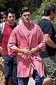 zac efron striped robe on townies set 02