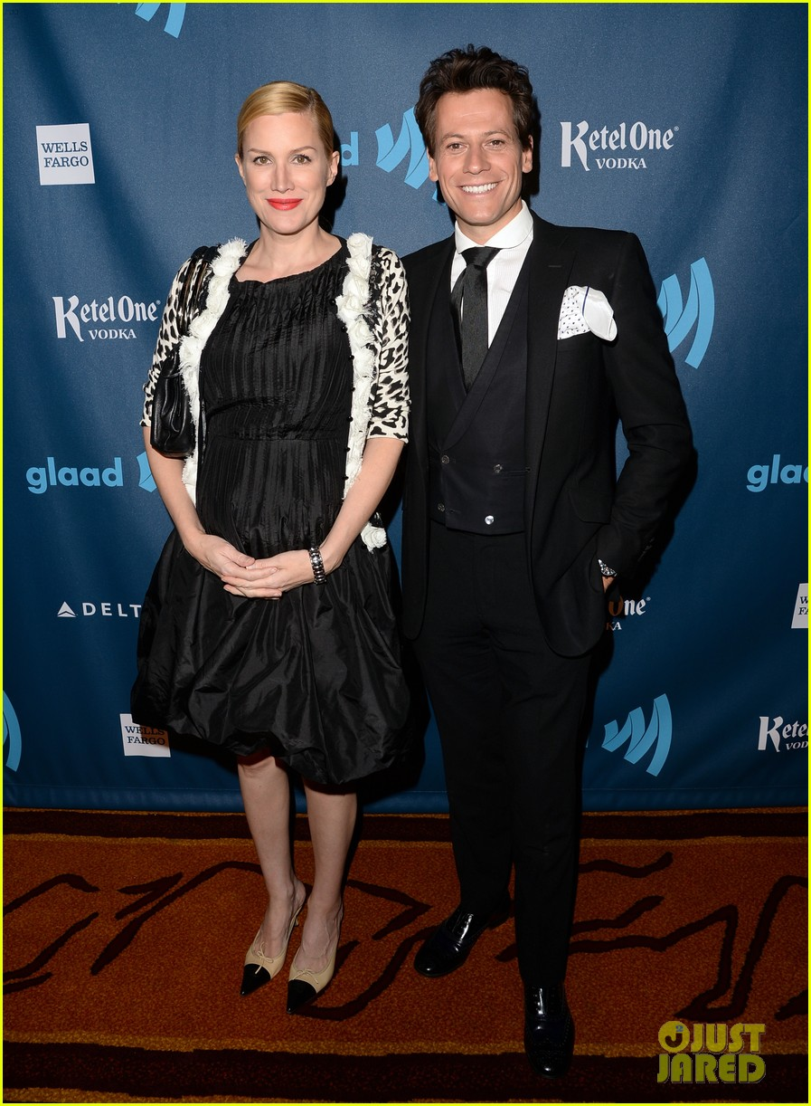 chris evans glaad media awards 2013 with brother scott 052854335