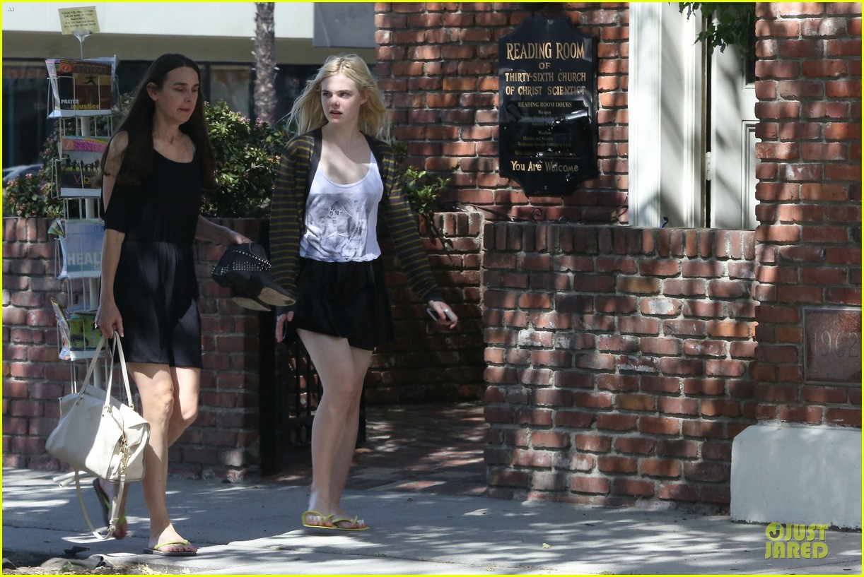 dakota elle fanning separate state outings 062859458