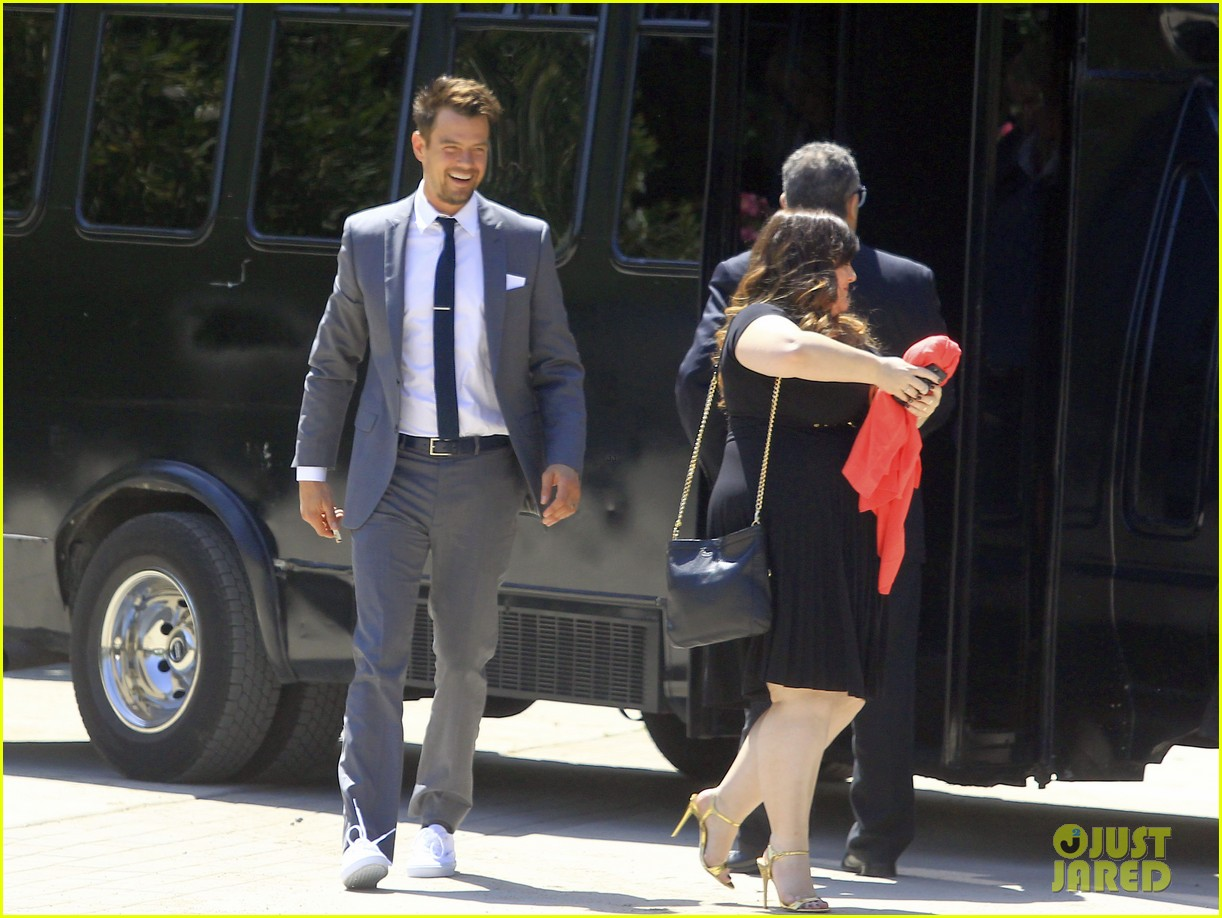 pregnant fergie sisters wedding with josh duhamel 07
