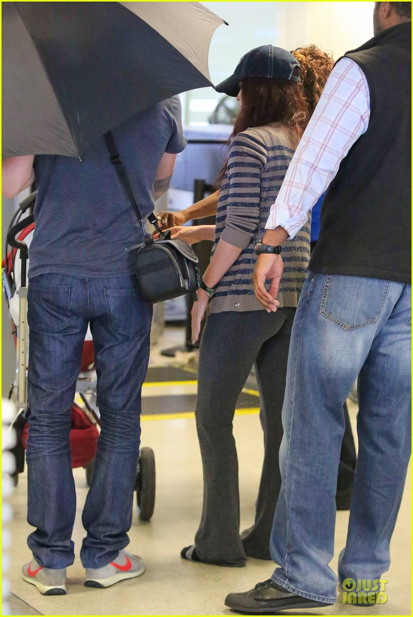megan fox brian austin green lax departure with noah 07