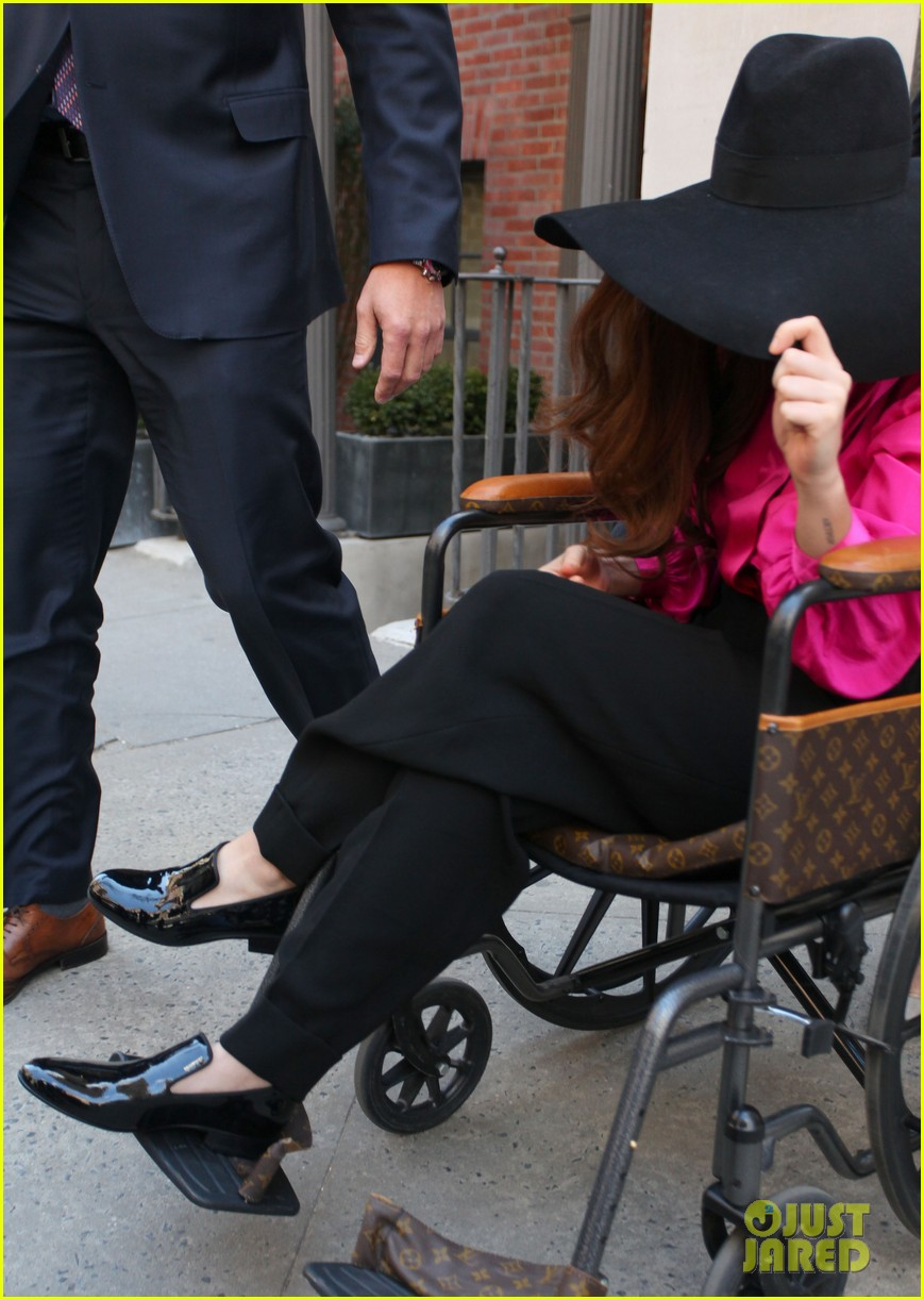 lady gaga wheelchair recovery in nyc 05