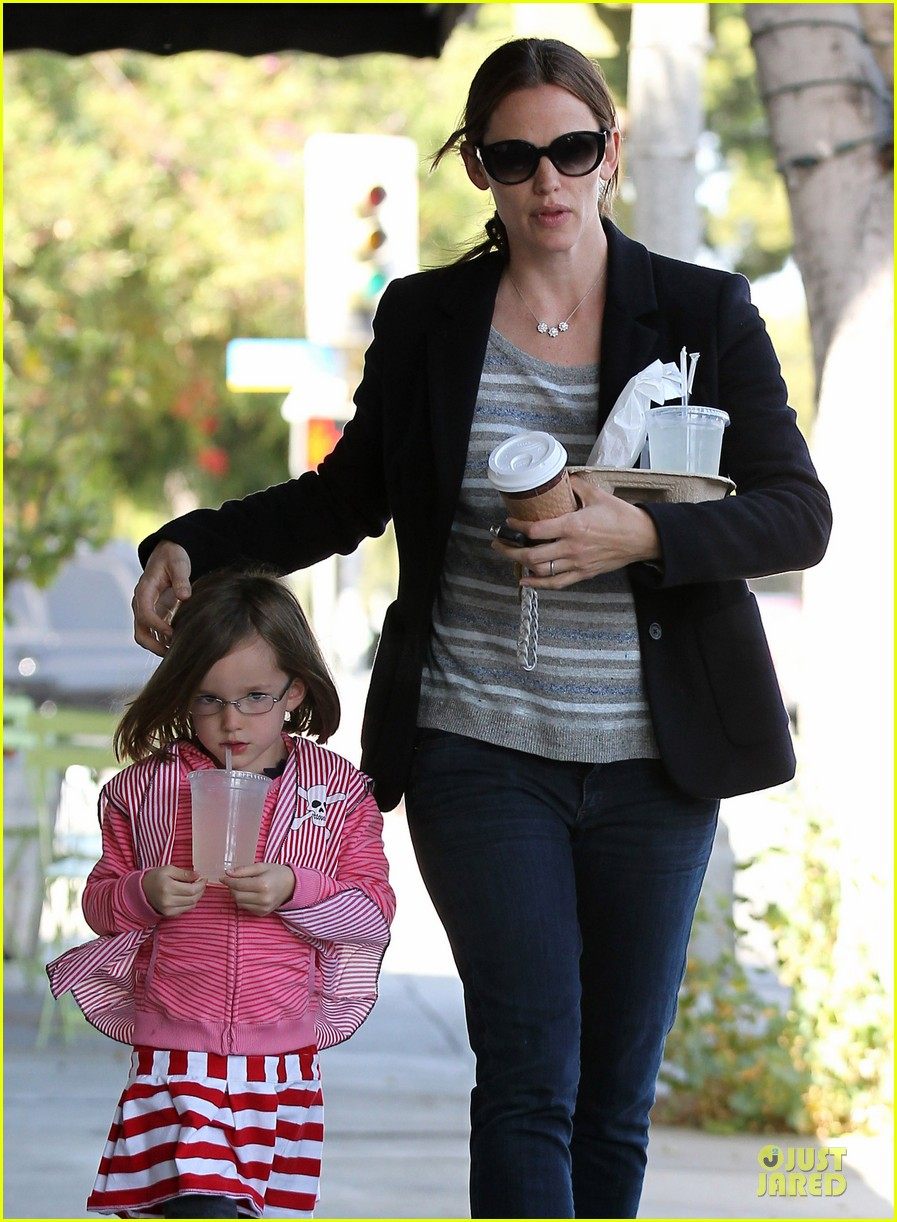 jennifer garner seraphina cafe stopping duo 202856721