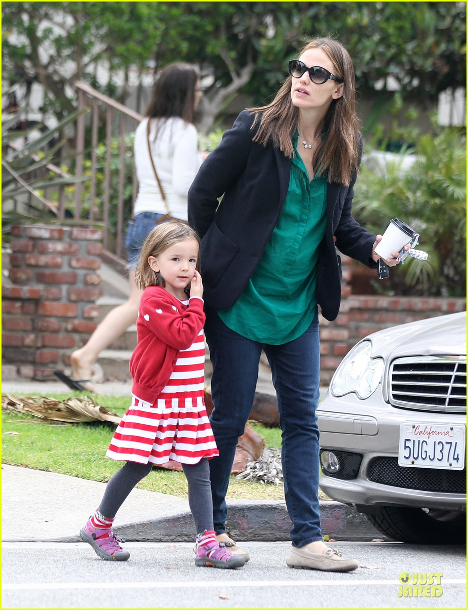 jennifer garner seraphina cafe stopping duo 312856732