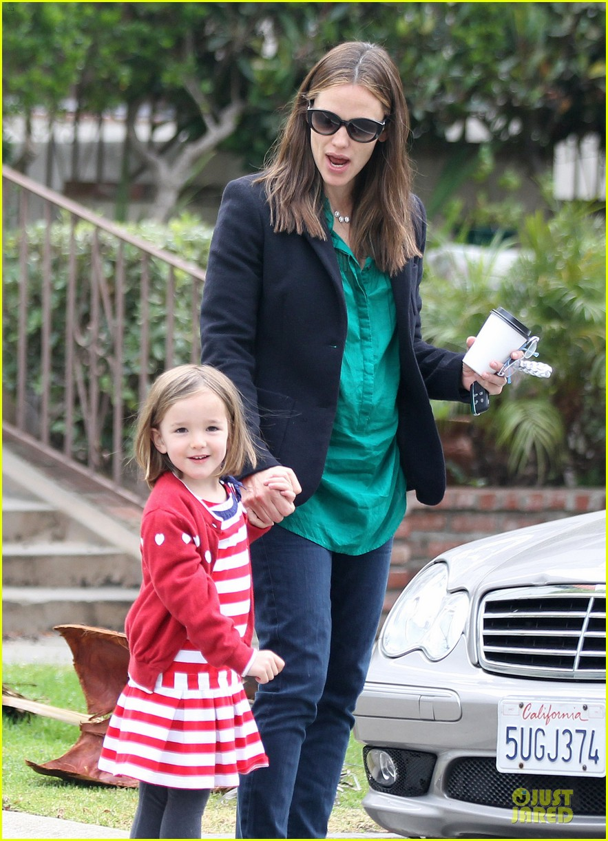 jennifer garner seraphina cafe stopping duo 322856733