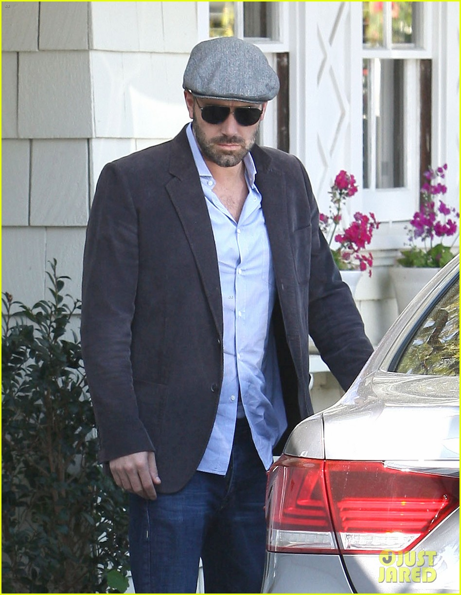 jennifer garner visits new york ben affleck on daddy duty 132843047