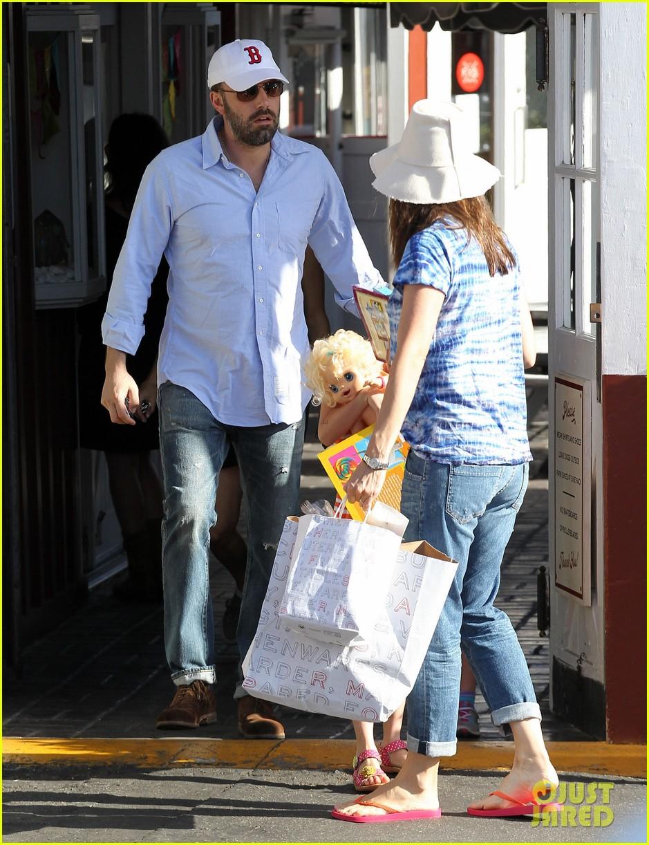 jennifer garner ben affleck weekend shopping with the girls 19