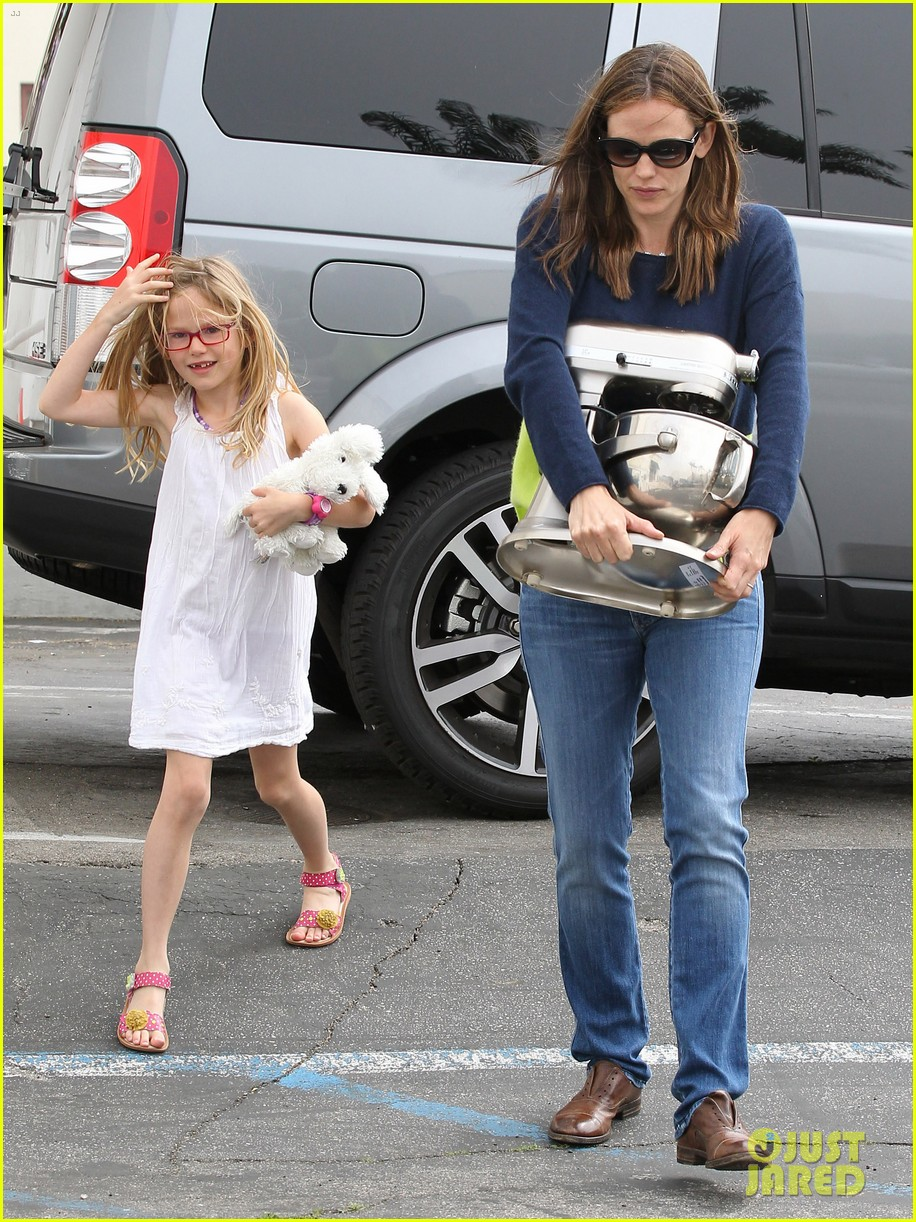 jennifer garner ben affleck weekend shopping with the girls 40