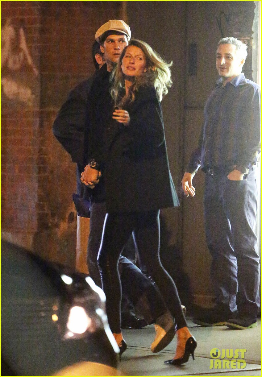 gisele bundchen tom brady hold hands on dinner date 042851369
