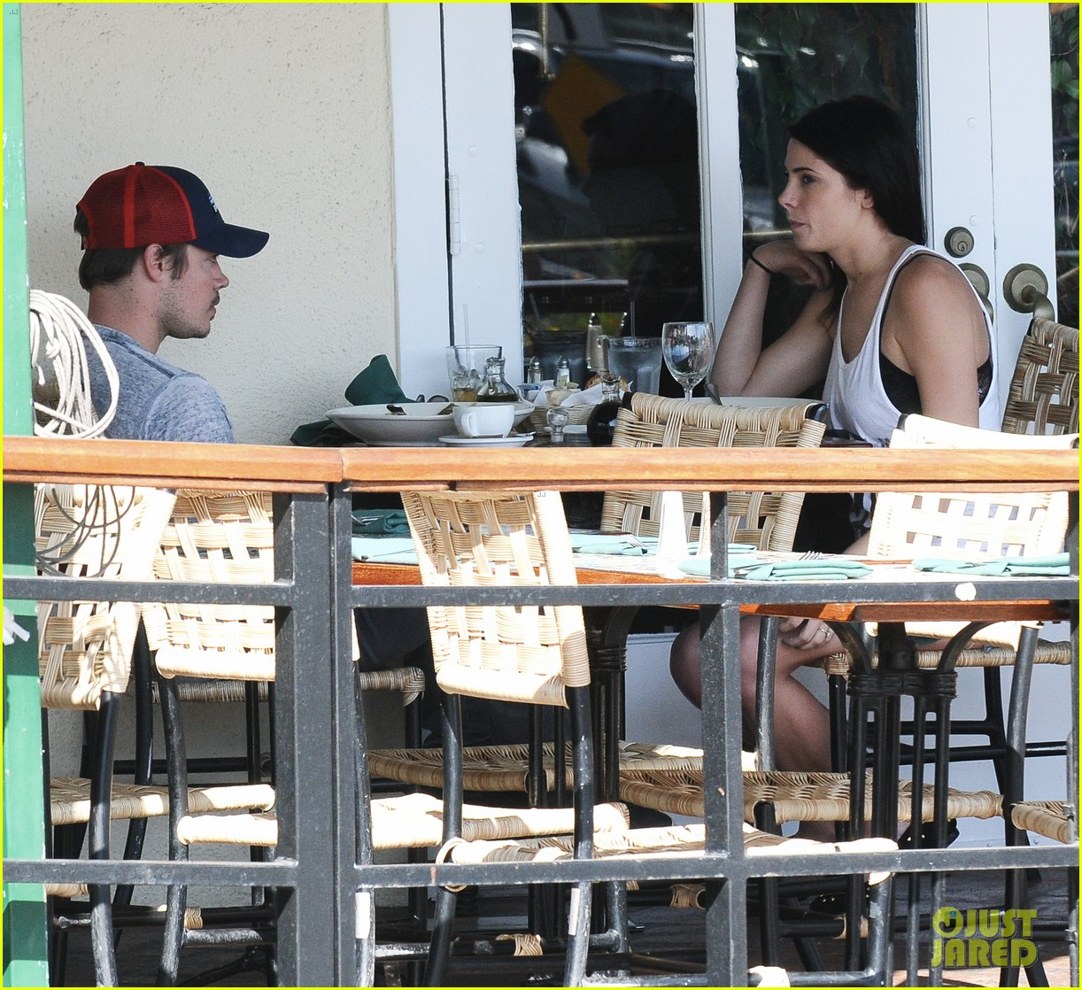 ashley greene josh henderson sunset plaza pair 04