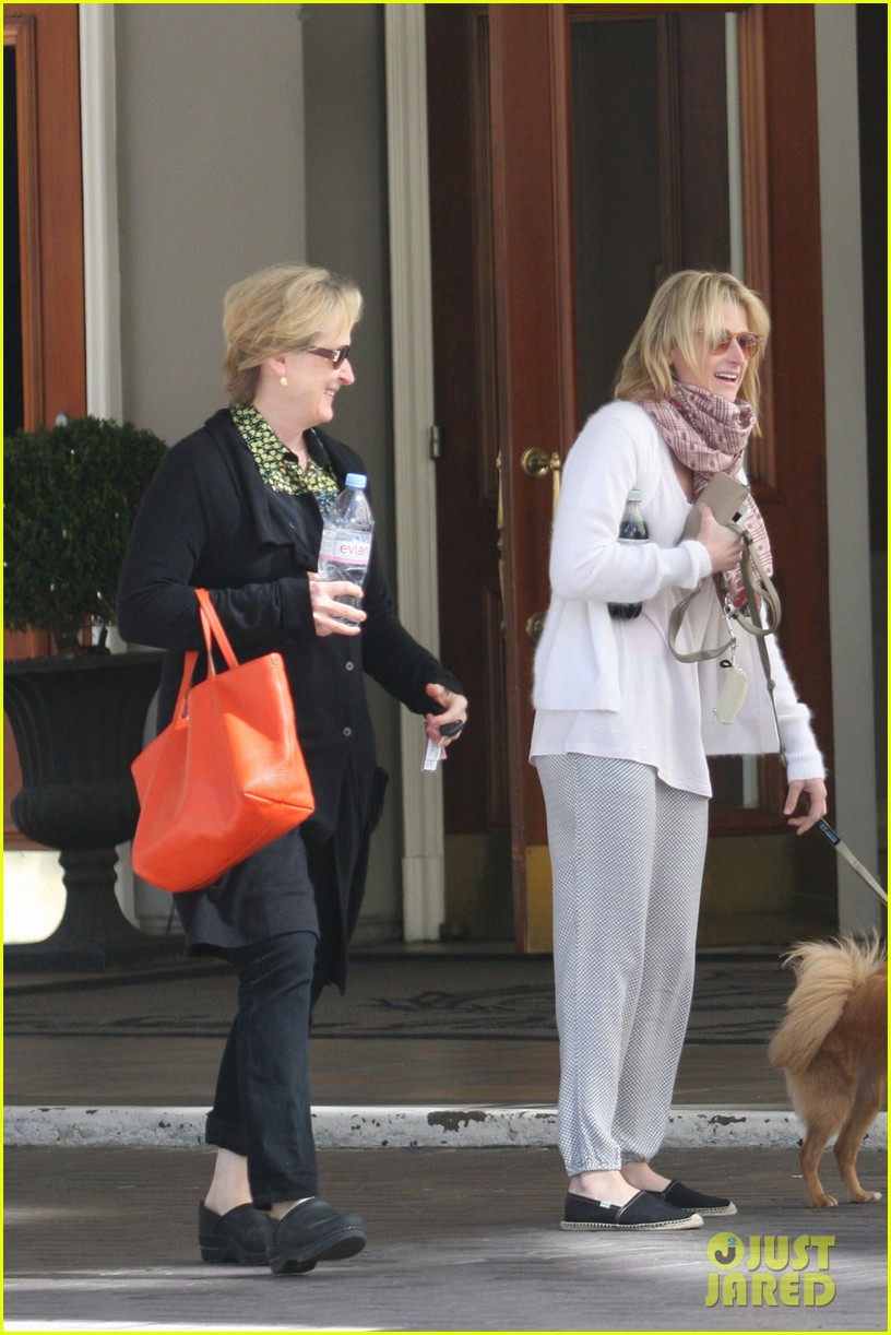 mamie gummer post split easter outing with meryl streep 042841425