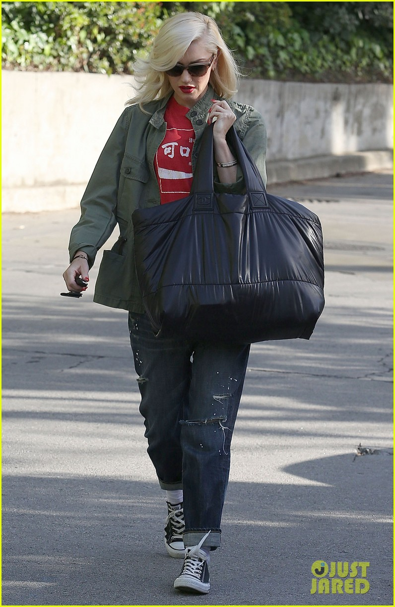 gwen stefani tuesday errands in la 16