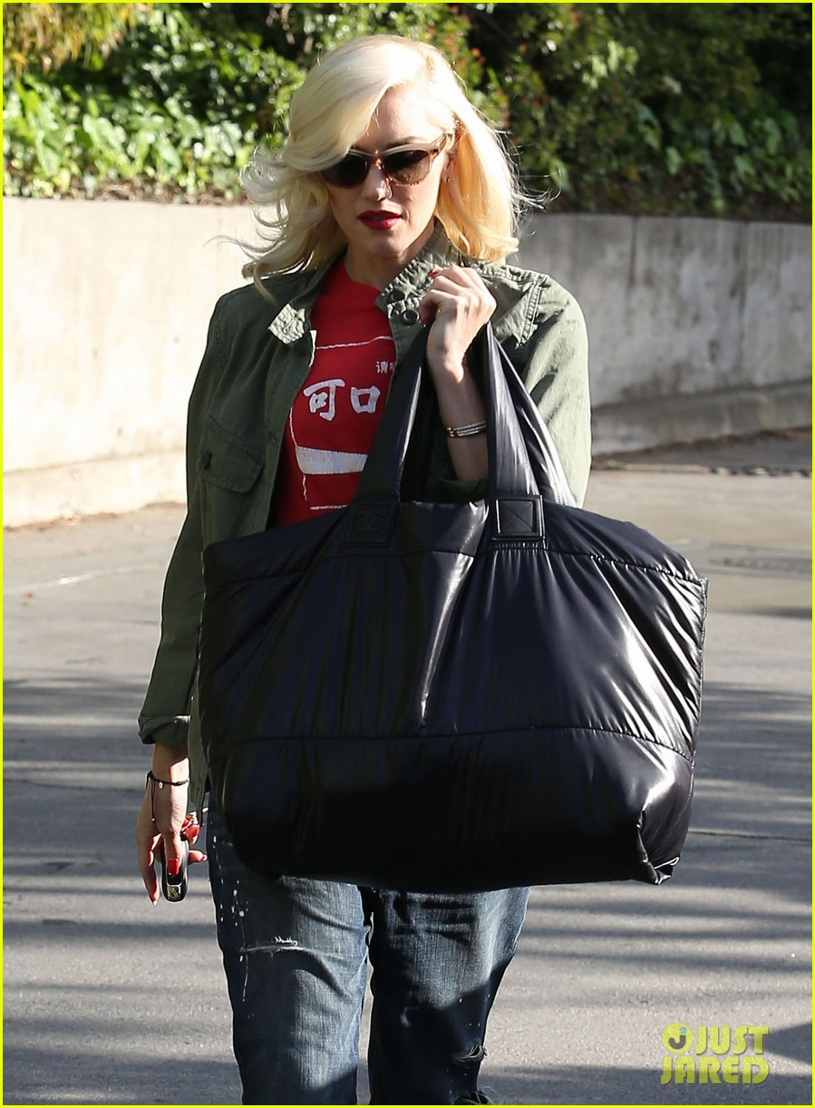 gwen stefani tuesday errands in la 18