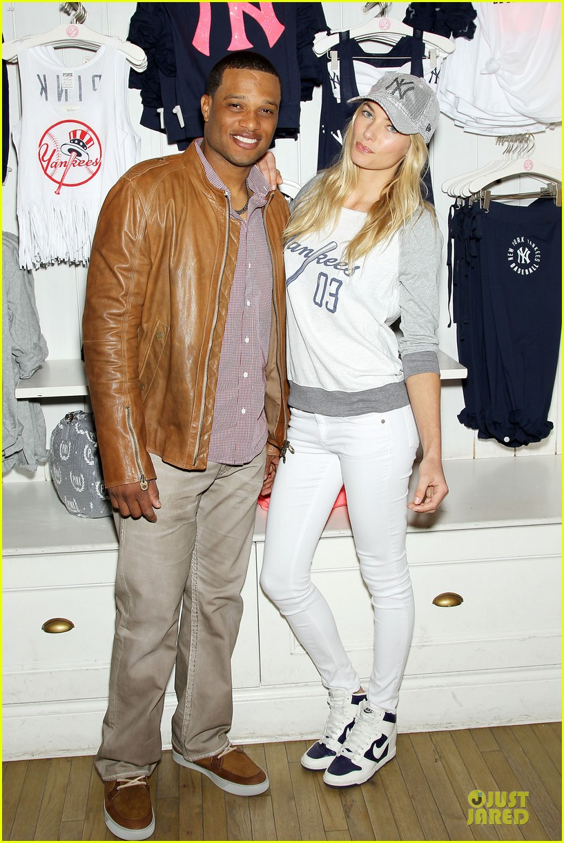 jessica hart yankees opening day new pink mlb collection celebration 032842424
