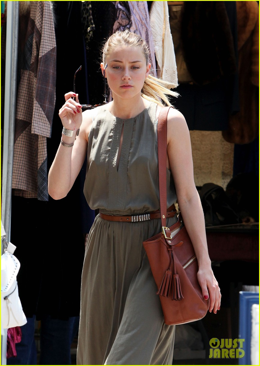 amber heard solo shopping after night with johnny depp 042860403