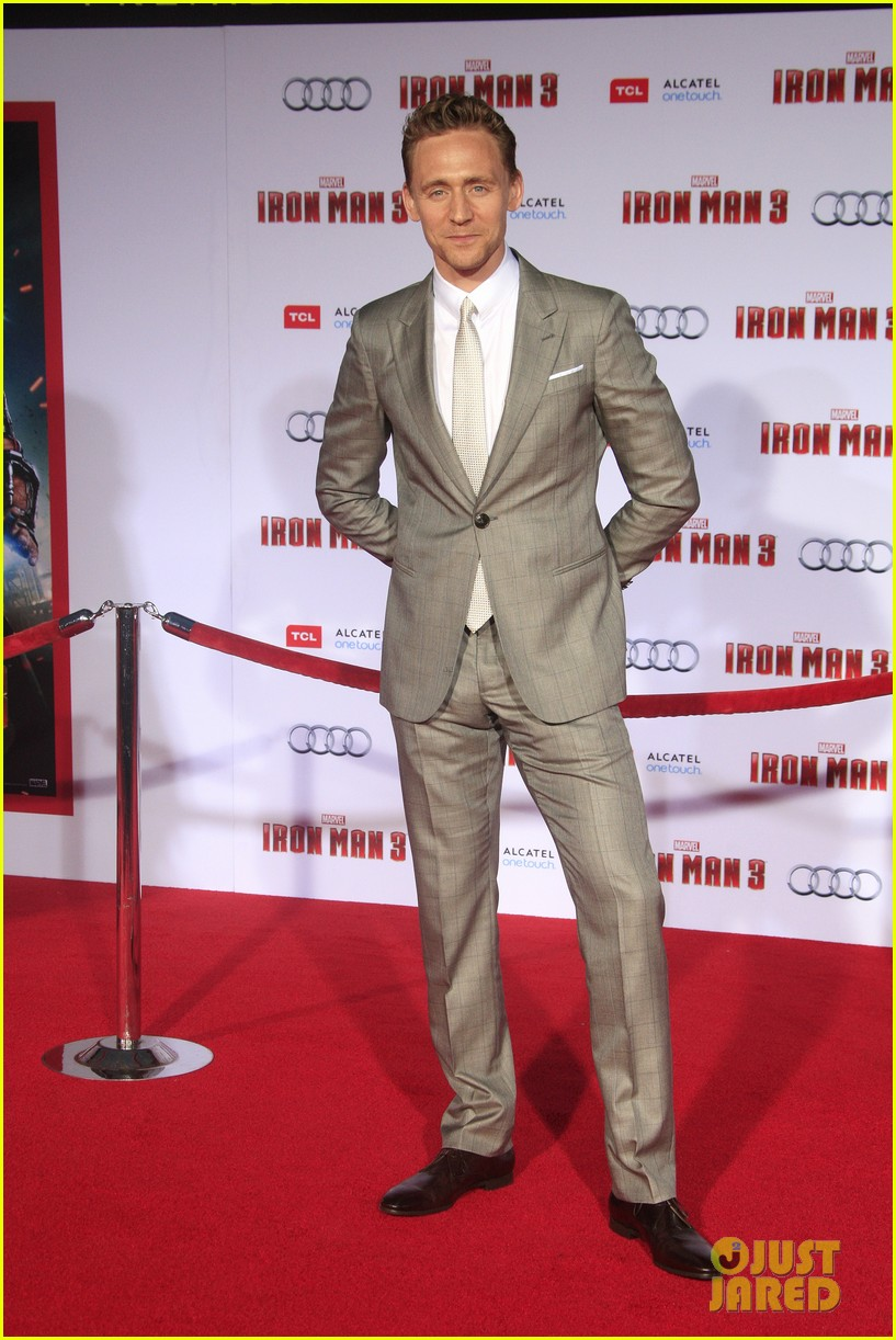 chris hemsworth tom hiddleston iron man 3 premiere 01