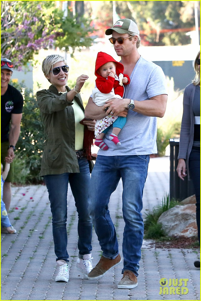 chris hemsworth elsa pataky lunchtime with india 01