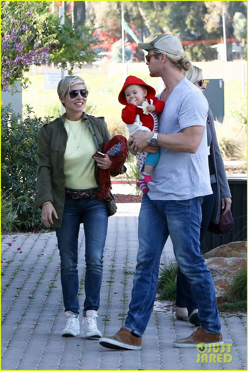 chris hemsworth elsa pataky lunchtime with india 092843660