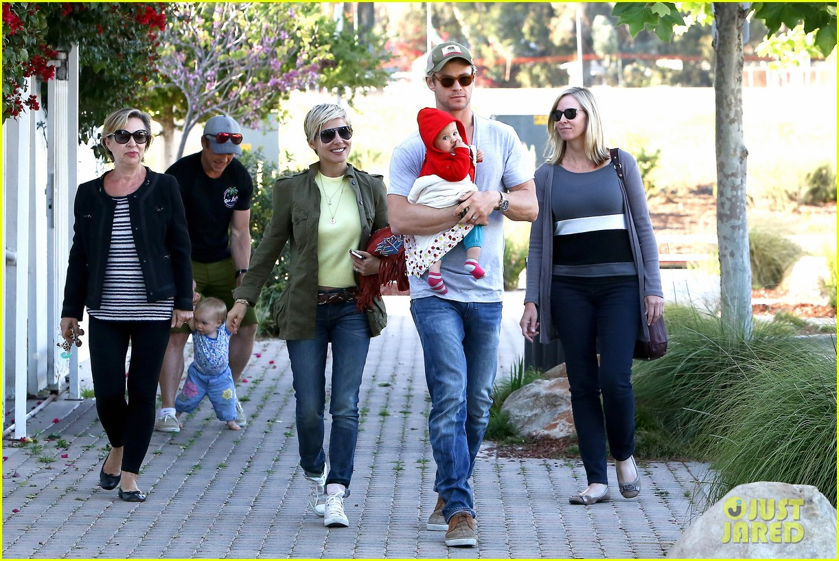 chris hemsworth elsa pataky lunchtime with india 10