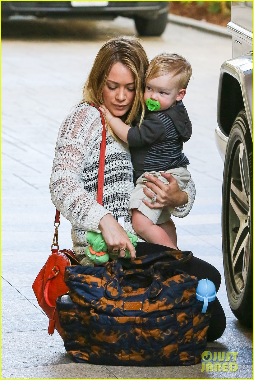 hilary duff birthday parties with baby luca 02