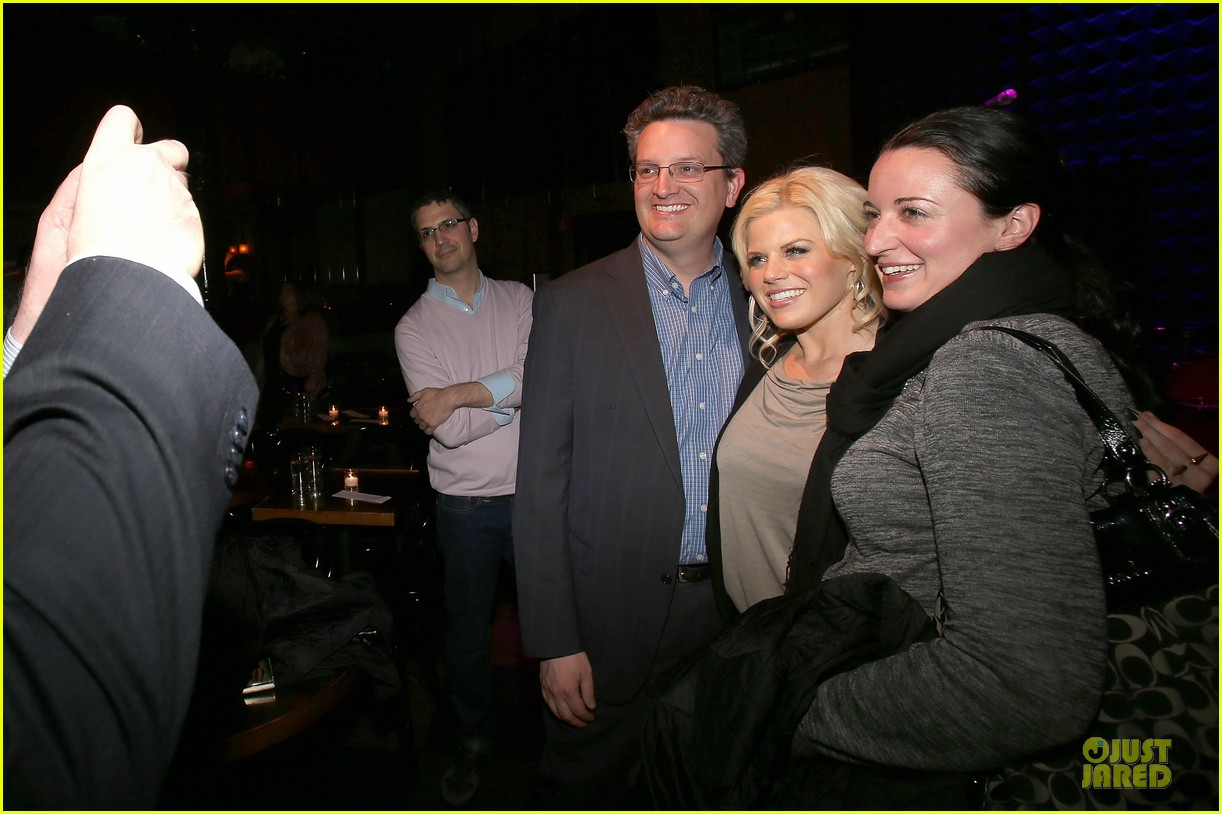 megan hilty joes pub showcase 082856979
