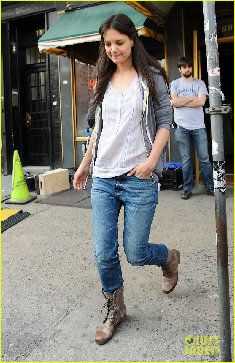 katie holmes filming new movie with spike lee 03