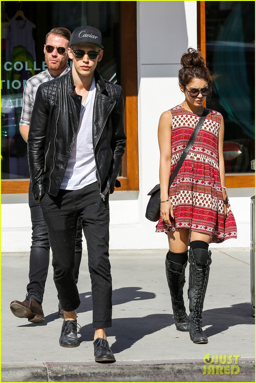 vanessa hudgens austin butler cafe roma lunch lovers 162852960