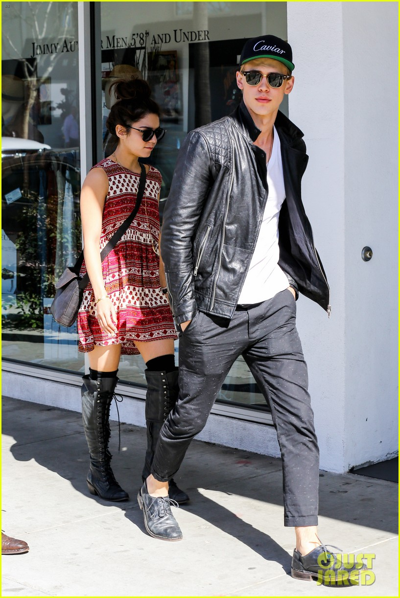 vanessa hudgens austin butler cafe roma lunch lovers 202852964