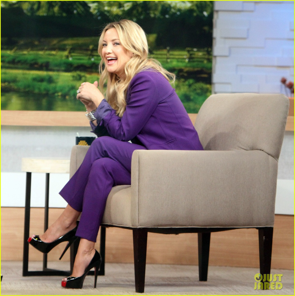 kate hudson good morning america appearance 01