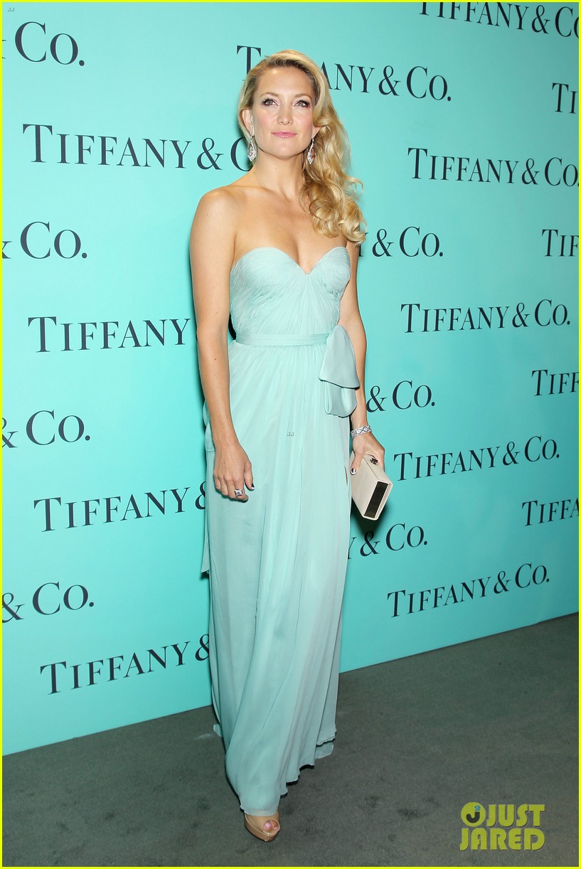 kate hudson carey mulligan tiffany blue book gala 16