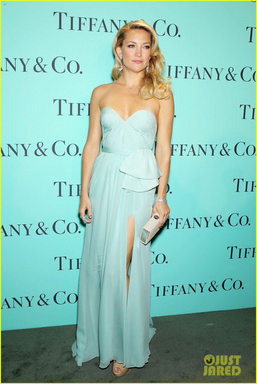 kate hudson carey mulligan tiffany blue book gala 17